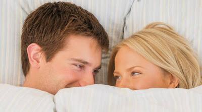 15 معلومة لاتعرفها عن النشوة الجنسية للنساء والرجال رجل امرأة جنس جماع سكس علاقة حميمة man woman sex make love bed sleeping