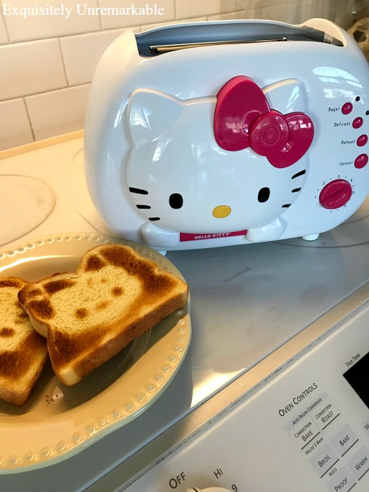 Hello Kitty Two Slicer Toaster
