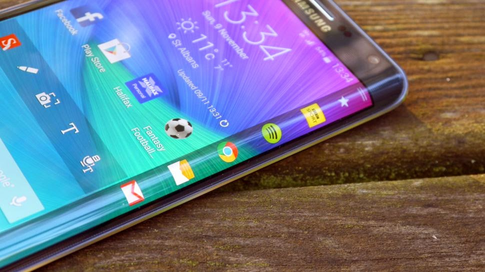 Come personalizzare schermo laterale Samsung Galaxy S6 Edge: download nuovi pannelli