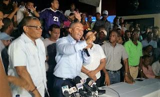 Alcalde Francisco Fernández revela estarían tratando emitir orden arresto en su contra