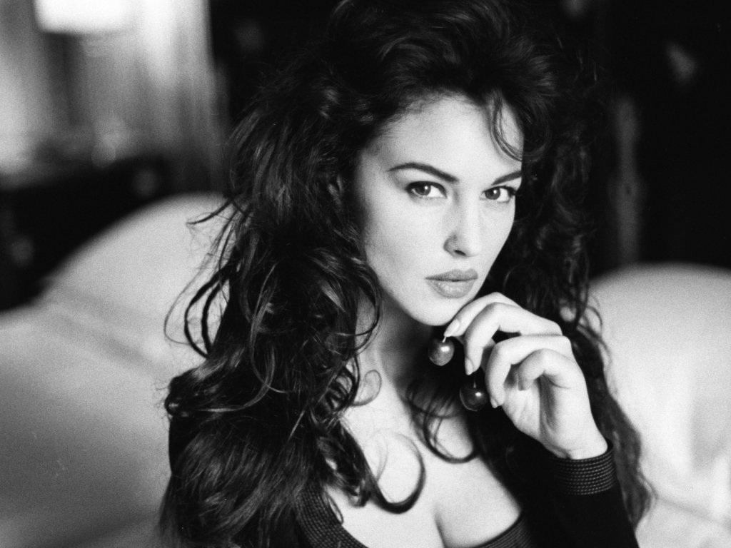 actress monica bellucci naked
