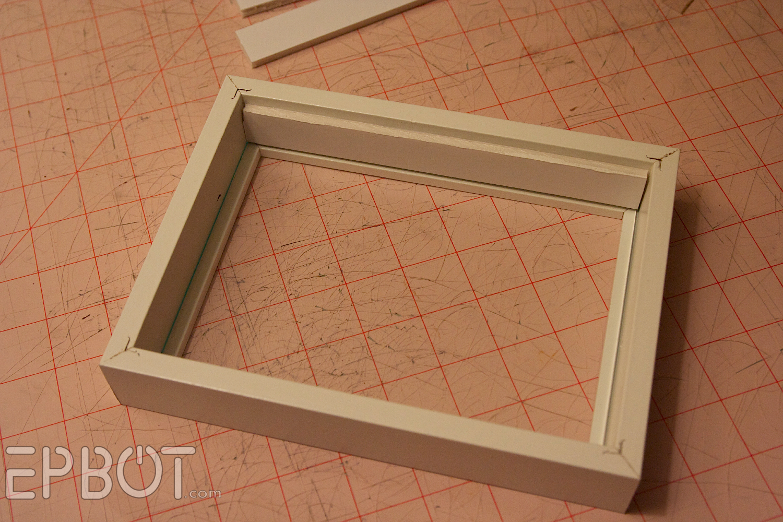 Diy Box Picture Frame | secondtofirst.com