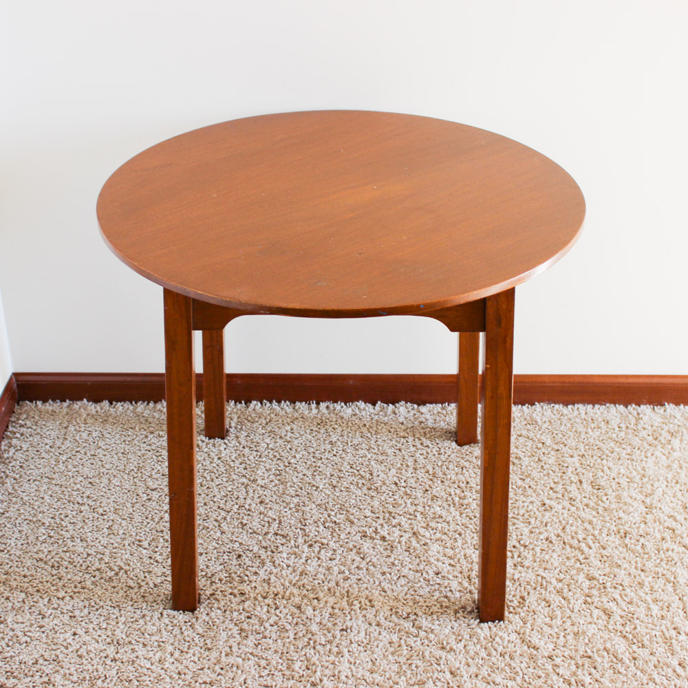 Diy flush side round end table muslin and merlot for Round end table diy