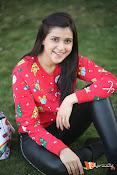 Mannara Chopra Sizzling Stills-thumbnail-8