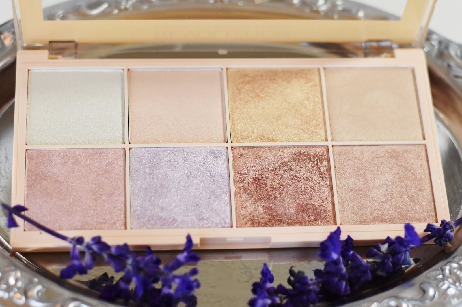 makeup revolution soph x paleta rozświetlaczy