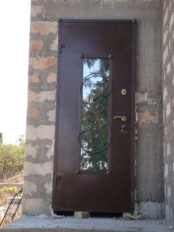 Купить входную металлическую дверь в Севастополе