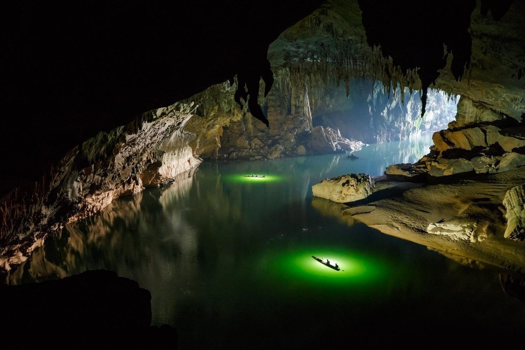 At some points, the ceiling of the cave is almost 200 feet high -- hard to believe that this exists entirely underground. - He Kayaked Through The World's Largest River Cave. This Is What He Saw…