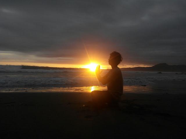 Senja di Pantai Cimaja