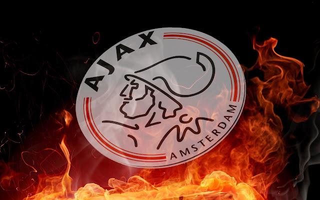 Ajax wallpaper met vuur