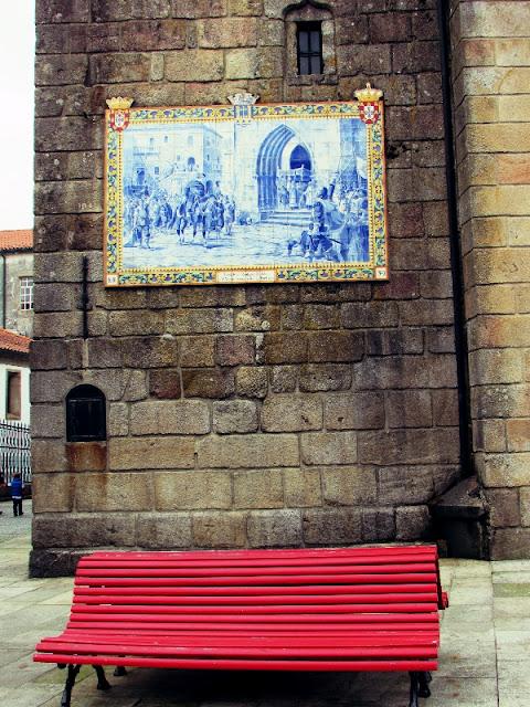painel de azulejos na parede lateral da Igreja Matriz de Ponte de Lima