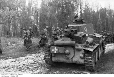 Operation Barbarossa Army Group North enter  pine grove near Leningrad-Oct 1941