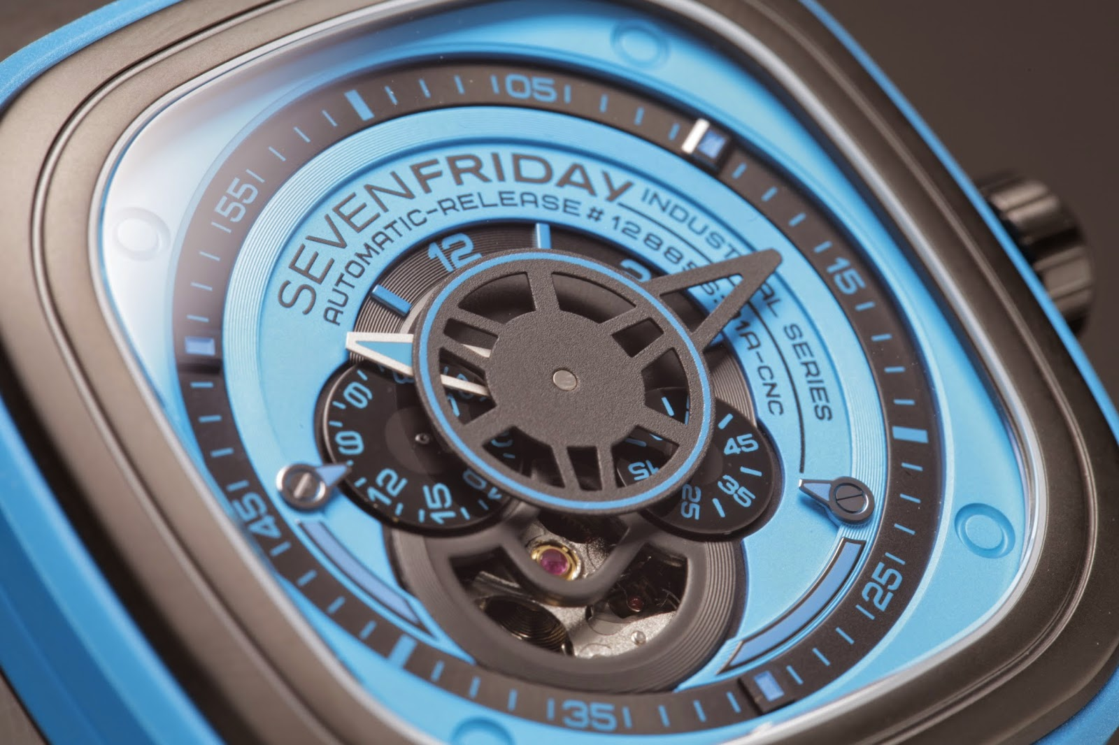 SevenFriday P1/04 Case