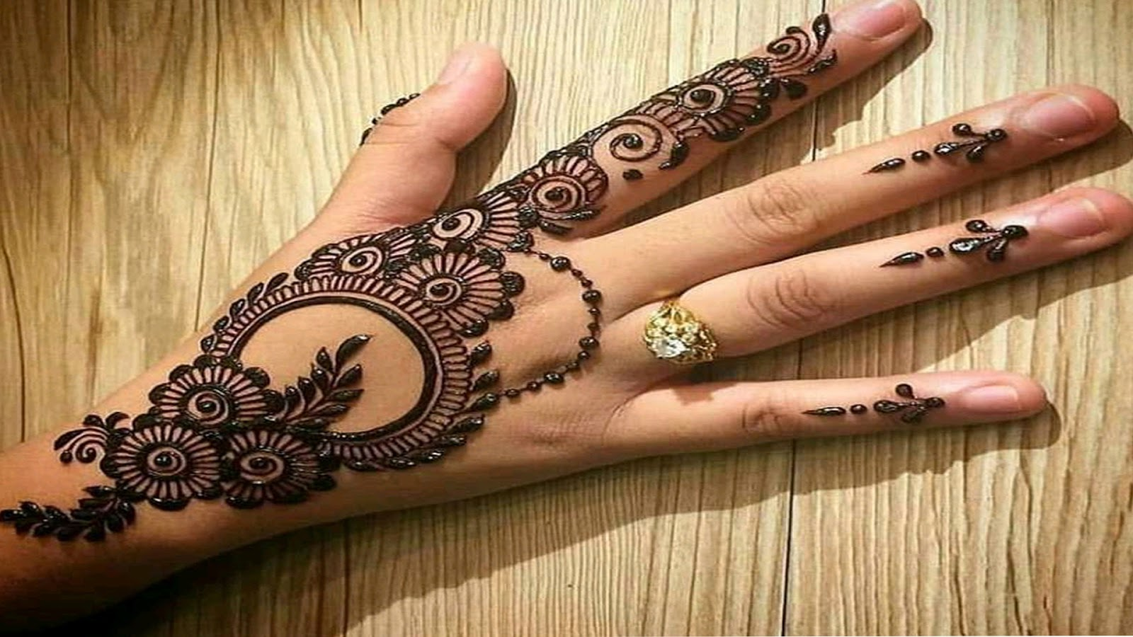 Mehndi design easy and beautiful , Fancy Fashion Points