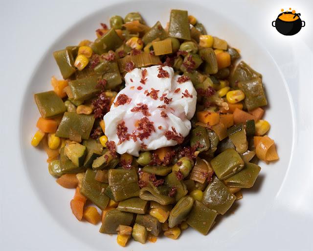 os mostramos cómo hacer un fácil y delicioso panaché de verduras con el toque especial de la bruja