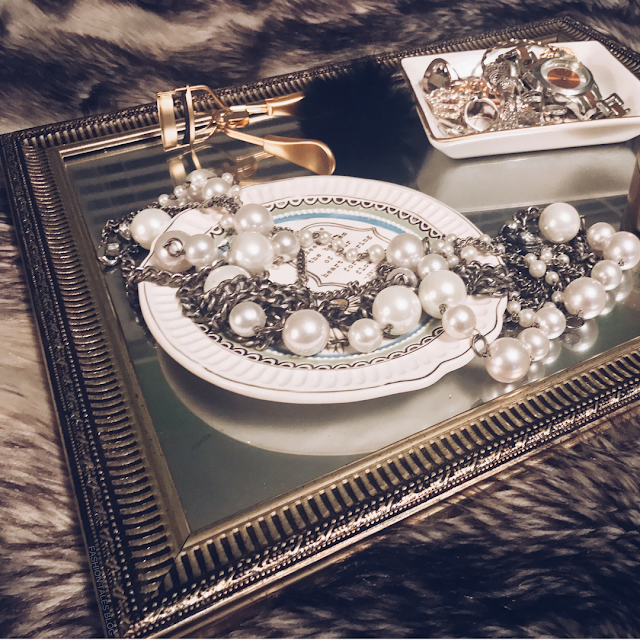 FASHION TALES - DIY painted jewellery tray