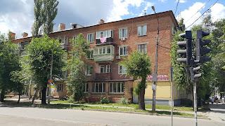 Продажа 2-комнатной сталинки (98 квартал)