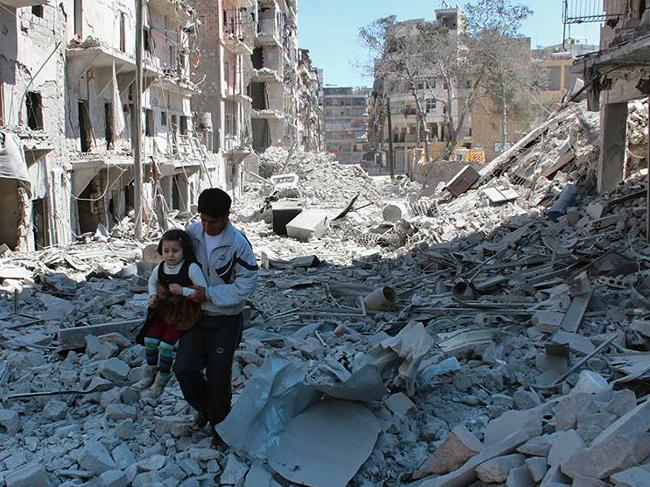 Angkatan Udara Suriah Assad hancurkan sekolah dan warga sipil dengan bom barel serangan udara dan senapan mesin sehingga merenggut 250 nyawa