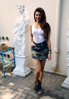 Actress Jacqueline Fernandez  Pictures in Short Skirt at Dishoom Movie Shooting Spot 0008.jpg