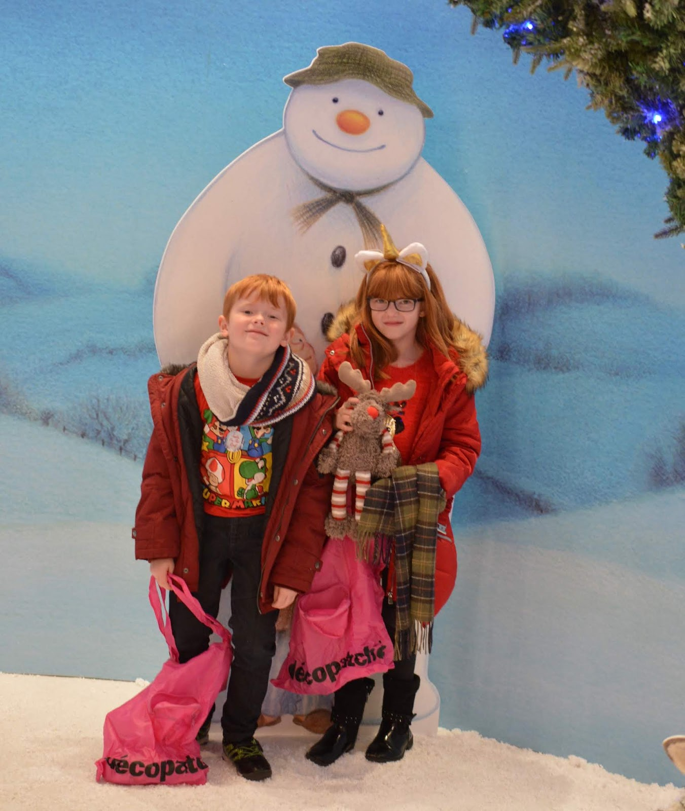 Santa on the Rooftop at Fenwick Newcastle   A Review  - the snowman photo op