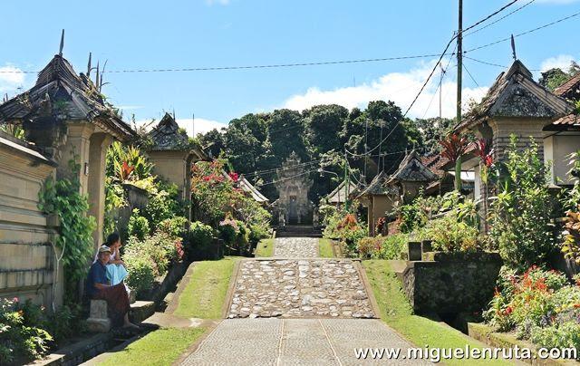 Paseo-Penglipuran-Bali
