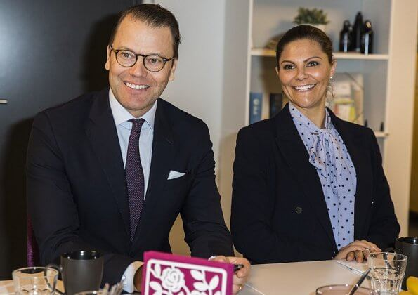 Crown Princess Victoria is wearing Af Klingberg rakel suede nero boots,  she carres Valentino shoulder bag, polka dot blue silk blouse
