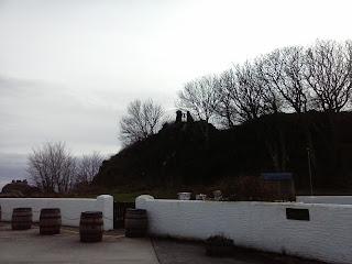 okolie pálenice Lagavulin, na kopci zvonec