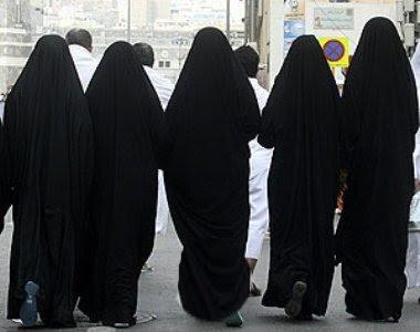 Que las mujeres lleven pantalones es una Fitnah mayor que ir descubiertas M09uehs