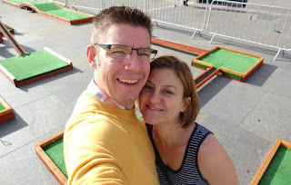Richard and Emily Gottfried at the 699th minigolf course they've visited