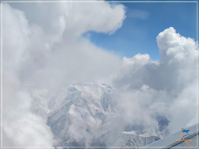 Sobrevoando a Cordilheira dos Himalaias na Índia