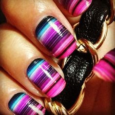 Thin-Stripy-Nail-Art-Designs