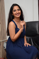 Radhika Mehrotra in a Deep neck Sleeveless Blue Dress at Mirchi Music Awards South 2017 ~  Exclusive Celebrities Galleries 122.jpg