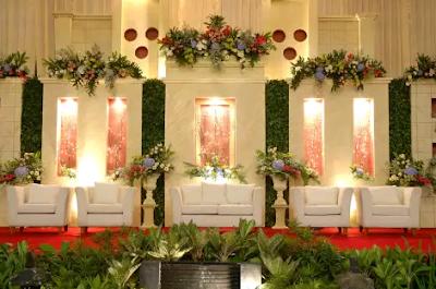dekor pernikahan modern unik