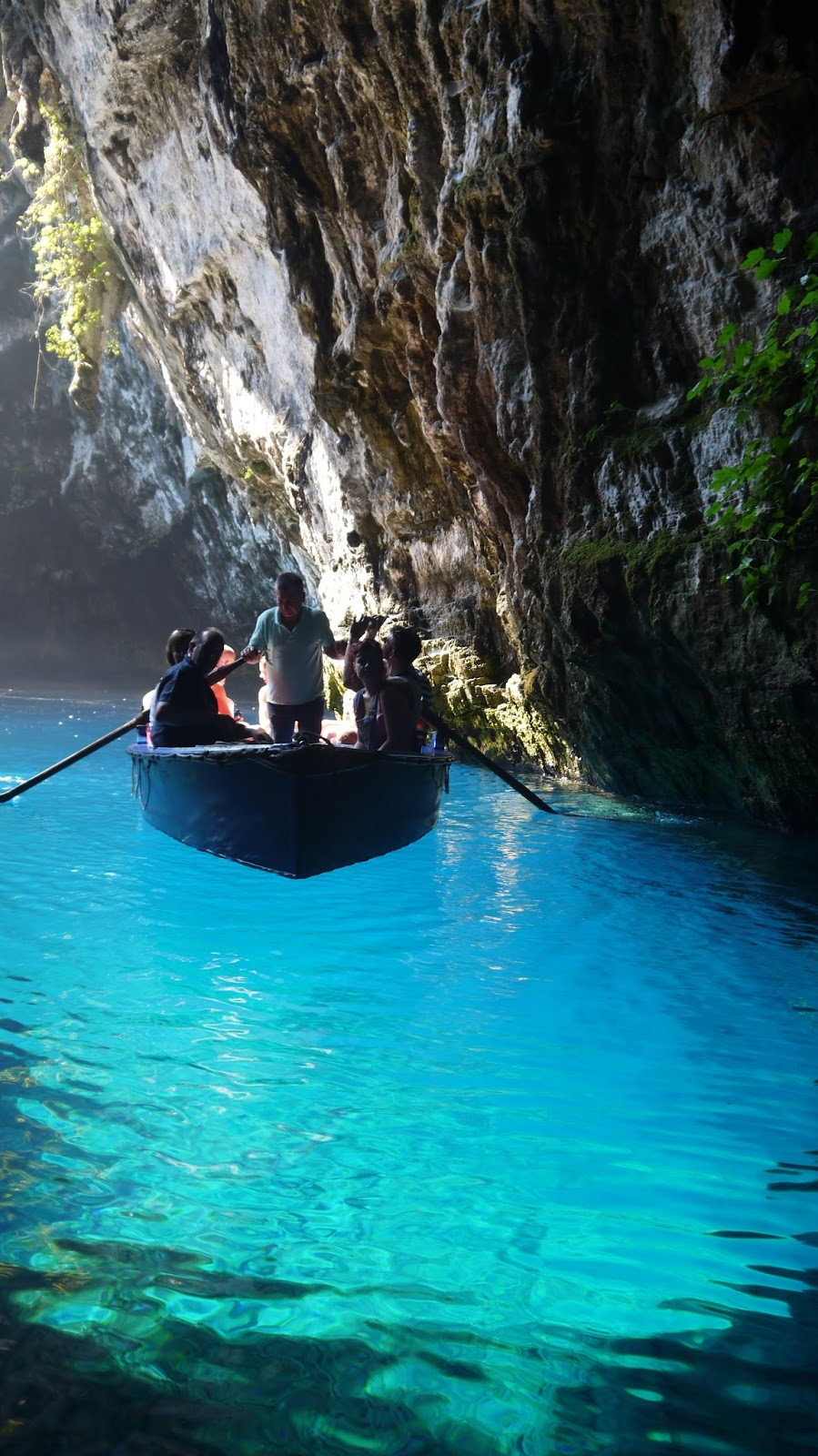 *PIN FOR LATER* Visiting the Magical Melissani Caves & Lake on Kefalonia in the Greek Islands! Kefalonia is such a special island..