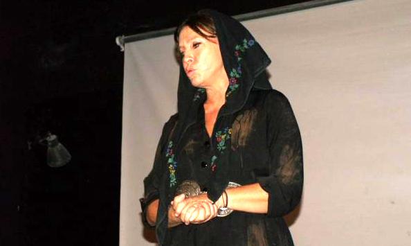 Ήγουμενίτσα: Η Θεσπρωτή ηθοποιός Βάνα Μπάρμπα καθήλωσε το κοινό στην Ηγουμενίτσα με την ερμηνεία της...