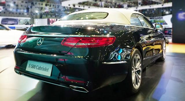 Đuôi xe Mercedes S500 Cabriolet 2018 được thiết kế mềm mại và quyến rũ