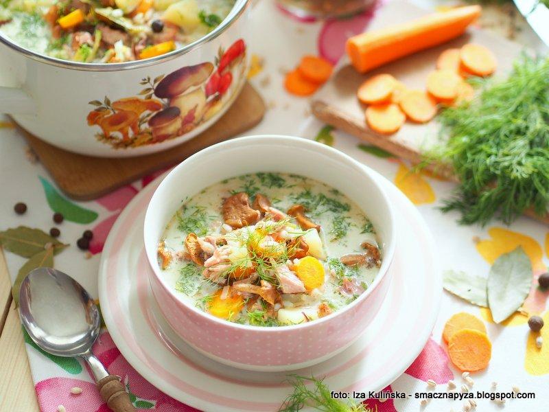 zupa grzybowa, kurki kiszone, krupnik z kurkami, zupy domowe, grzyby, kureczki, na wedzonce, co na obiad