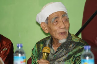 Mbah Maimoen Ungkap Kesamaan Indonesia dan Etika Politik Rasulullah