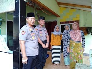 Kapolres Mataram AKBP Saiful Alam Beri Santunan Kepada Keluarga Korban Yang Gugur Saat Kawal Pilpres Dan pileg 2019