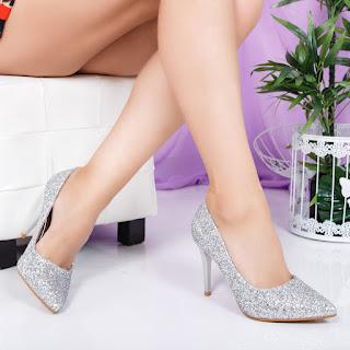 Pantofi Mouline cu gliter argintiu cu toc subtire de ocazii