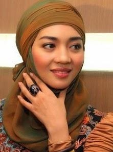 Trend Gaya Fashion Berhijab Modern Nuri Maulida Blog Jilbab Cantik
