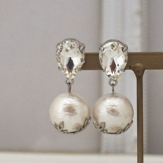 https://www.etsy.com/listing/203440336/classy-14-mm-white-cotton-pearl-earrings?ref=shop_home_active_2