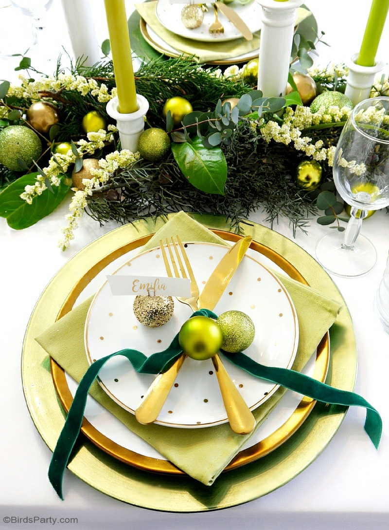 Green & Gold Christmas Holiday Tablescape with ideas on DIY table decorations, party food menu, drinks and desserts table styling! | BirdsParty.com
