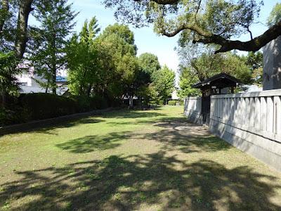 小楠公御墓所