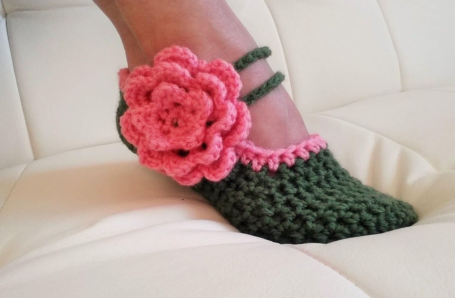 995a912efe4e Crochet converse slippers Free Pattern.