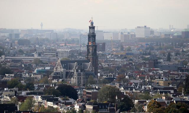 Euroopan korkein keinu sijaitsee Amsterdamissa 20