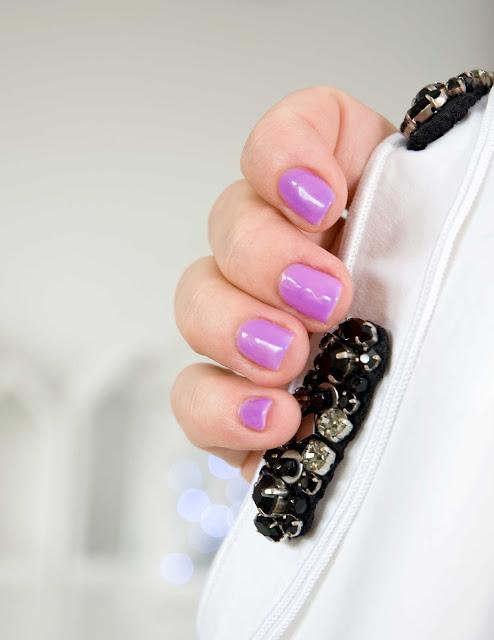 fioletowe odcienie lakierów hybrydowych