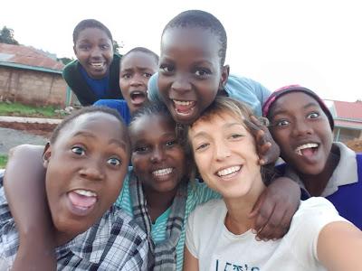 Mónica en el proyecto de Kenia. Colaboró durante 3 meses.