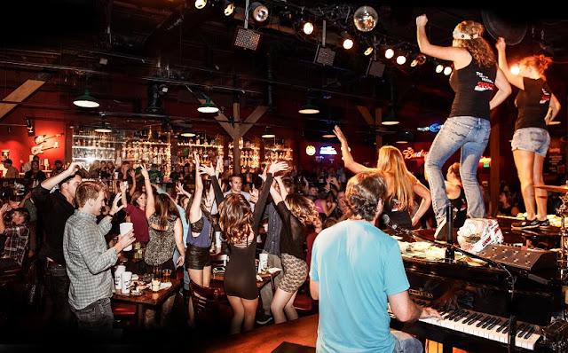 Bar The Shout em San Diego na Califórnia