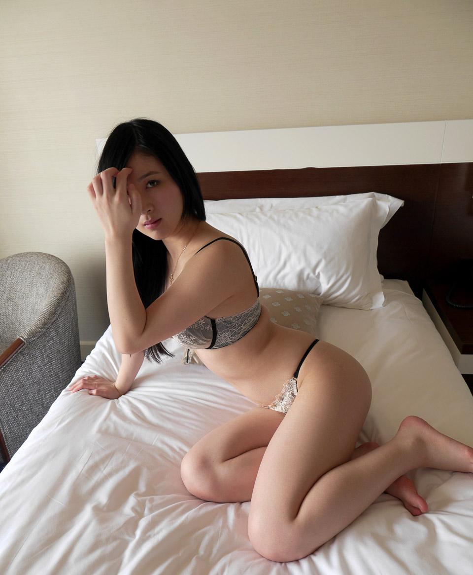 iroha seino sexy bikini pics