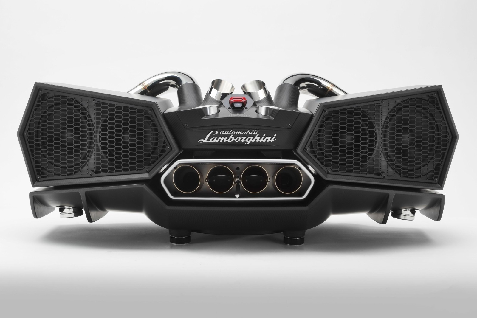 esavox-lamborghini-docking-station-costs-24800-is-made-with-carbon_5.jpg